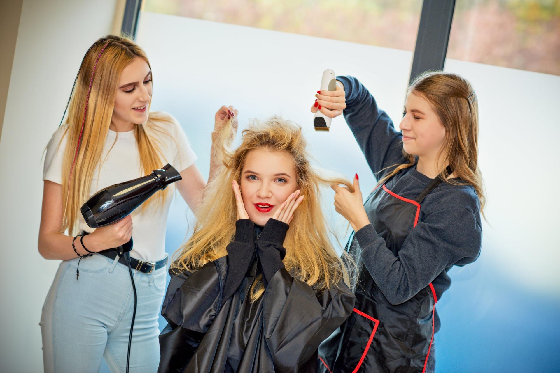 technik usług fryzjerskich-min